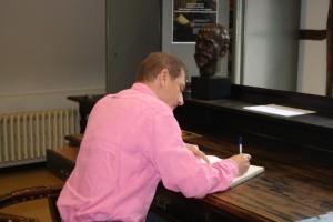 Husserl archief tekenen gastenboek